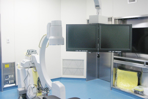 高性能透視装置と天井下垂式ダブルモニター